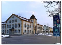 Das Rathaus im Morgenlicht (Helmut Reichelt) Tags: leica germany deutschland bavaria oberbayern morgen m9 geretsried