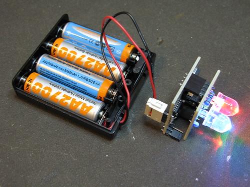 BlinkM Battery Pack: Step 6: Plug in batteries