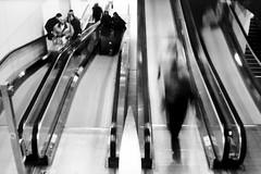Schiphol stairs (Guido Havelaar) Tags: bw holland amsterdam schwarzweiss schiphol pretoebranco noirblanc  neroeblanco