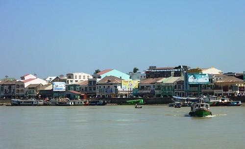 Yangon-Pathein-Bateau-Arrivee (2)