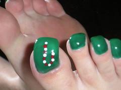toenails 12-14-10 027 (kellt2010) Tags: christmas green feet foot design long soles extra toenails