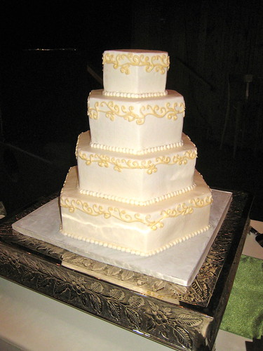 wedding-cake-swirls