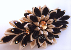 Hairgrip (MiLena_Lena) Tags: flower girl lady hair clip accessory tsumami kanzashi kurokami