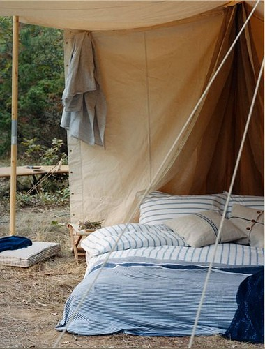 bed in a tent, outdoor spaces, beds outside, striped sheets, nautical linens, beds, rustic decor, 44630_qXNx9J37_c