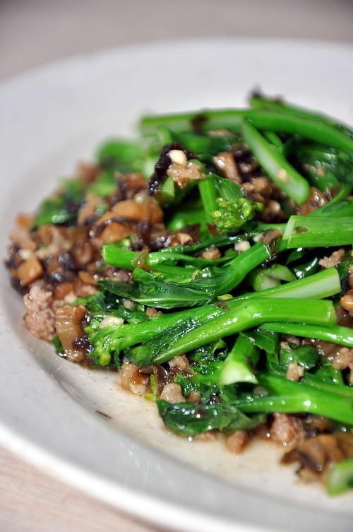 Restaurant Woo Ng Kee Pan fired Baby Kai Lan
