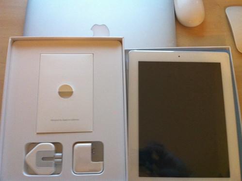 ipad 2 box back. My White iPad 2 (British