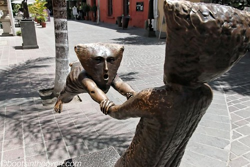 Statue on Tlaquepaque's Boutique Row