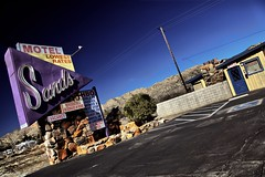 Sands Motel (Ken Yuel) Tags: california vacancy yuccavalley oldmotels sandsmotel roadsidemotels wheelchairparking digitalagent kenyuel hbotv