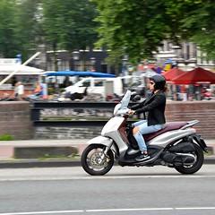 Scooter Girl (FaceMePLS) Tags: amsterdam nederland thenetherlands facemepls nikond5500 straatfotografie streetphotography tweewieler nikesneakers helm helmet jeans piaggiobeverly visors zonnebril sunglasses youngwoman jongevrouw windscherm windshield