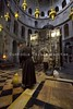 MAB_101022_1575 (Custody of the Holy Land - Photo Service (CPS)) Tags: basilicaofresurrection churchofholysepulcher churchofholysepulchre franciscandaylife holyland holysepulcher holysepulchre holysite terrasanta terresainte aedicule anastasis cleaning edicule franciscan franciscanlife franciscans friars friarsminor holyplace oillamp oillamps sacristan sanctuary vertical