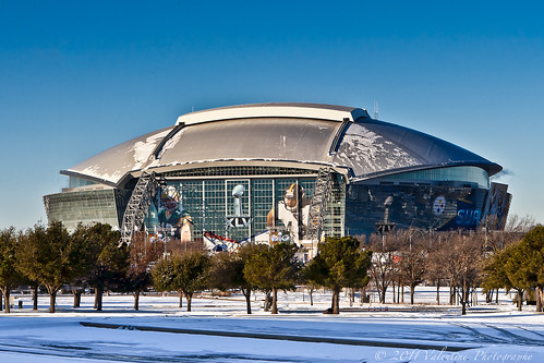 Super Bowl XLV: Dallas Thaws, Leigh Steinberg, Serena Williams Party Hot