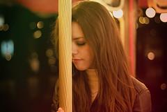 Toothpaste kisses (Kris *) Tags: she portrait woman laura girl canon 50mm lights luces mujer friend chica bokeh retrato ella kisses amiga toothpaste february febrero besos 2011 pastadedientes 50d xkrysx