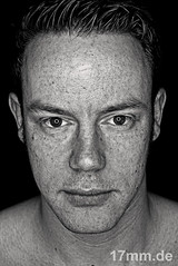 Stanley (17mm.de) Tags: people man face gesicht sw mann kopf blackwhitephotos memorycornerportraits