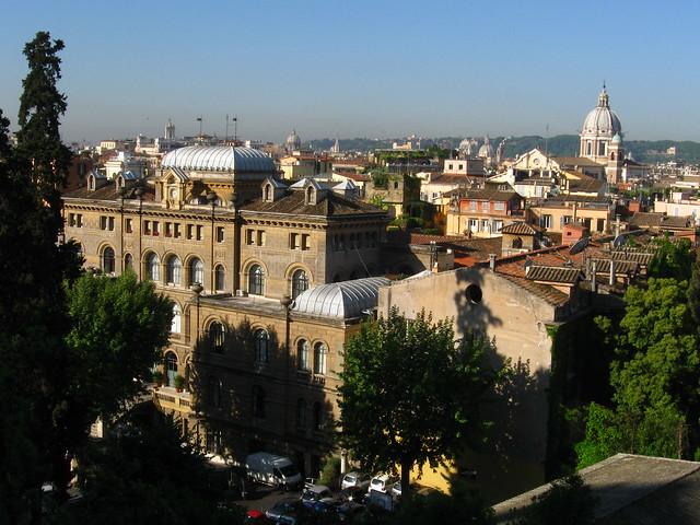 ローマの街並のフリー写真素材