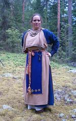 HPIM3211 (*Halla*) Tags: bronze handsewn dying handicrafts ironage tabletweaving cardweaving rautakausi vikingage lautanauha muinaissuomi muinaispuku pronssispiraali bronzespiralornaments