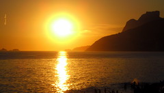 (Marcia Rosa ()) Tags: sunset sea summer sun seascape reflection sol praia beach mar unesco vero reflexions reflexo worldheritage crepsculo doisirmos patrimniomundial marciarosa