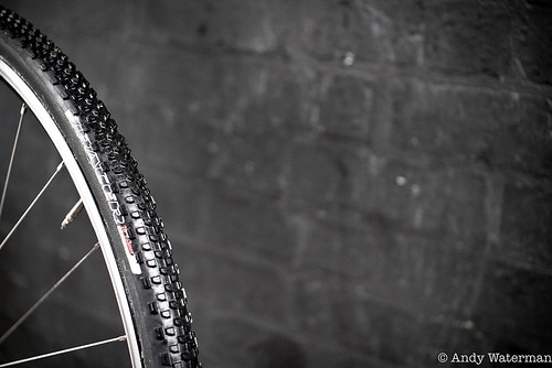 Specialized Tracer tread