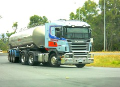 photo by secret squirrel (secret squirrel6) Tags: trees race milk cabin photos euro gorgeous bumper cunningham trailer grille turning tanker scania loaded truckdriver cabover truckshow avenel ruralaustralia humehighway triaxle bogiedrive secretsquirreltrucks