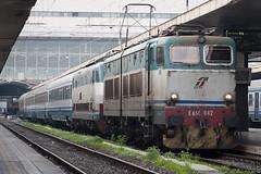 Ridotto ai minimi termini.. (Raffaele Russo (LeleD445)) Tags: railroad roma train termini pax trenitalia locomotiva e656 caimano