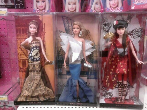 Barbie Travel Couture: London,Sydney, Japan. Digging The Big Ben Dress!