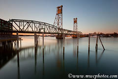 4 Minutes @ Memorial Bridge (Matt Currier Photography) Tags: new bridge sunset reflection water canon river memorial newengland nh hampshire portsmouth 5d piscataqua 1635l bigstopper