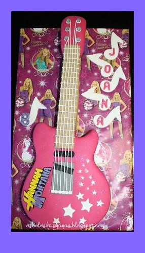 Bolo Guitarra Hannah Montana logotipo 6 by Osbolosdasmanas