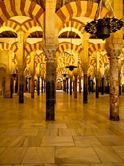Mezquita-Catedral (dagilmar) Tags: andaluca catedral olympus mezquita crdoba zuiko e30 uro dagilmar