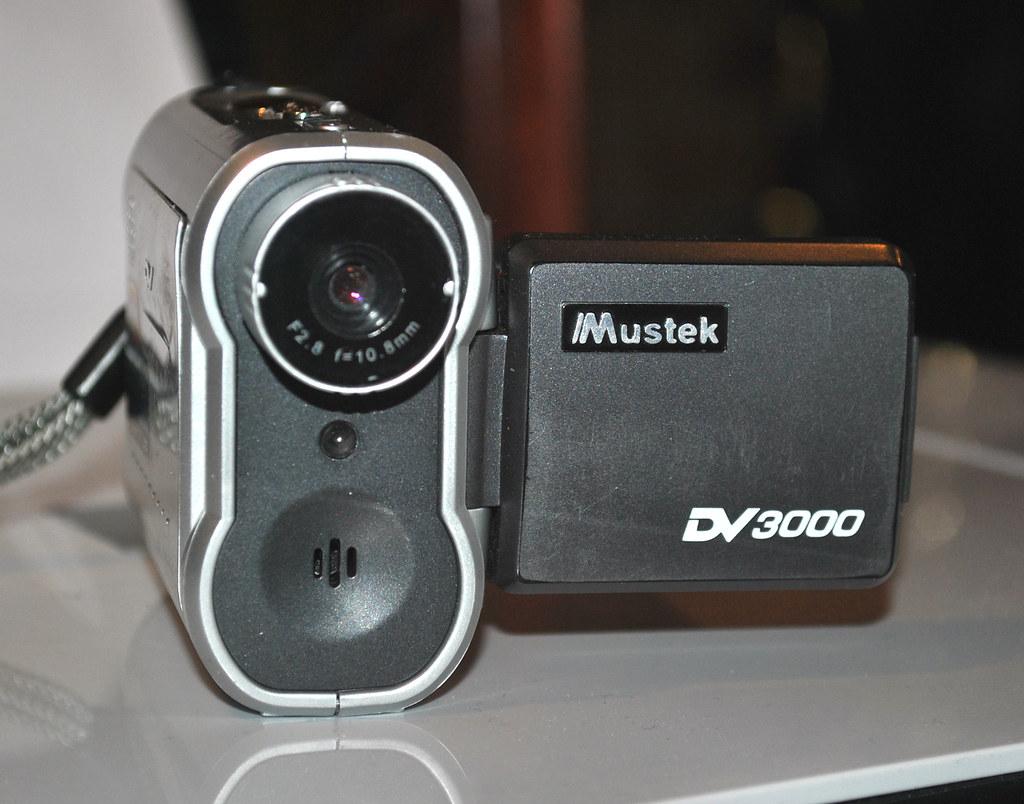 Mustek DV3000 mini video camera (2004)