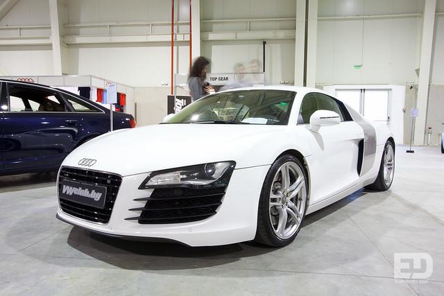 White Audi R8