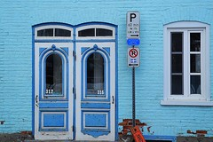 Bleu d'aiguillon (eburriel) Tags: door blue window nikon bleu qubec porte fentre emmanuel aiguillon burriel flickraward eburriel emmanuelburriel