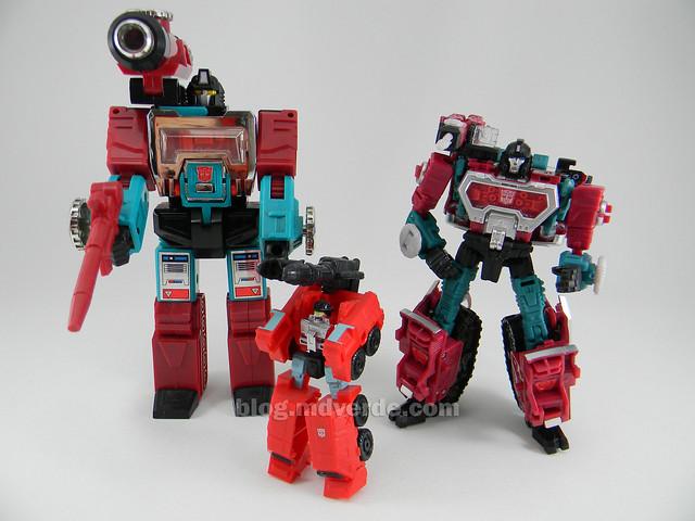Transformers Perceptor United Deluxe - modo robot vs G1 vs Classics