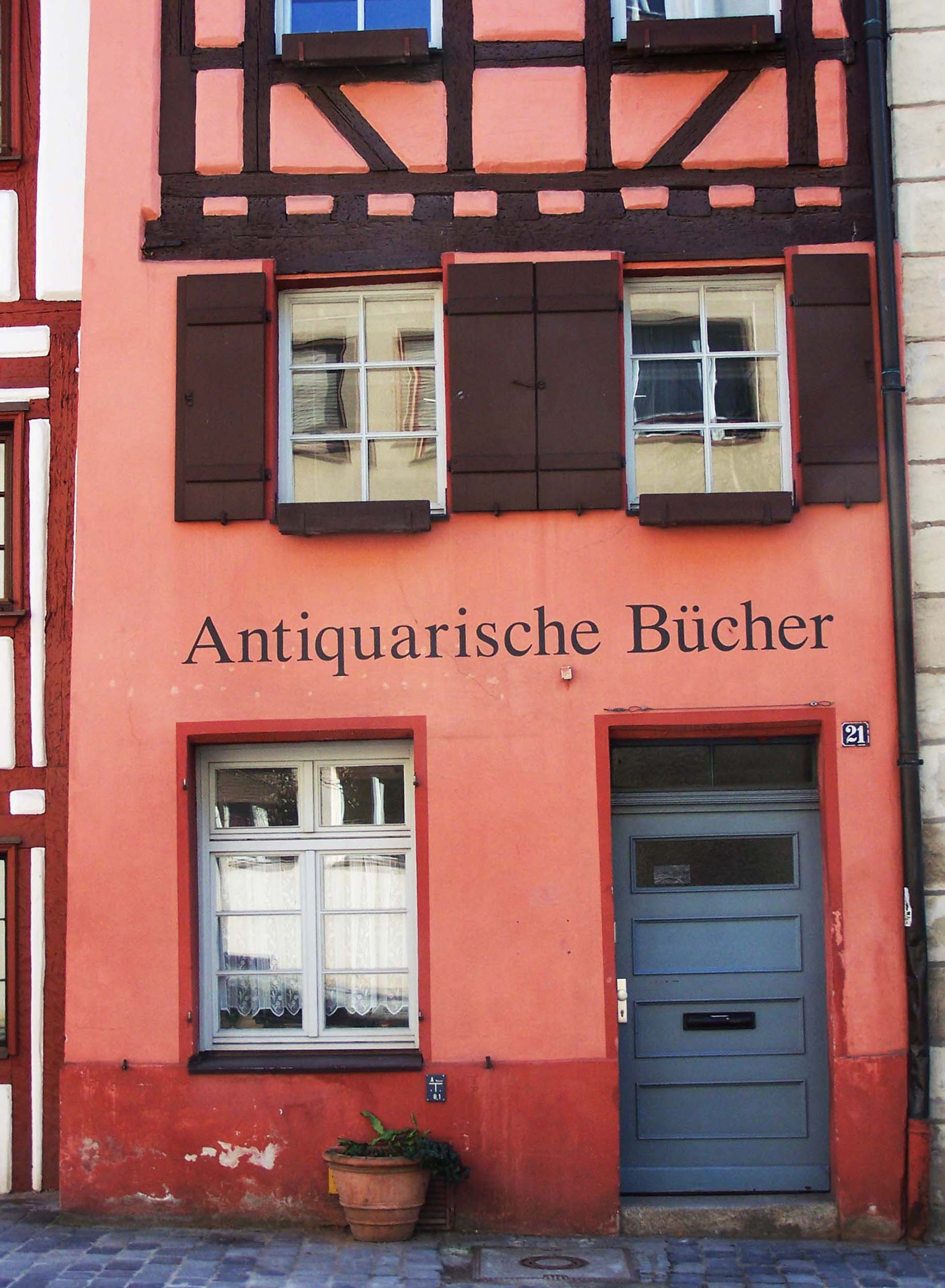Antiquarische Bücher, Weißgerbergasse 21, Nürnberg Altstadt