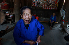 Vieille dame a Ping'an (jmboyer) Tags: chi0993 asie asia chine china travel voyage jmboyer flickr yahoo photos go portrait photogo lonely gettyimages picture nationalgeographie lonelyplanet getty images imagesgoogle photoyahoo shanghai