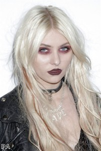 taylor+momsen barry m