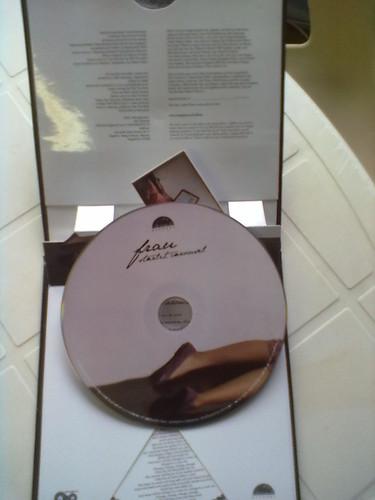 Intérieur du coffret avec le CD extrait