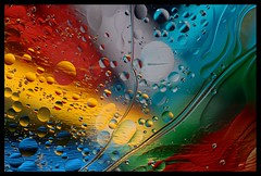 """Como agua y aceite (2)"" (Marcelo Savoini) Tags: color colour water closeup agua nikon aceite oil acercamiento 105mmmicrovr sb900 d7000 20tfabstracto"