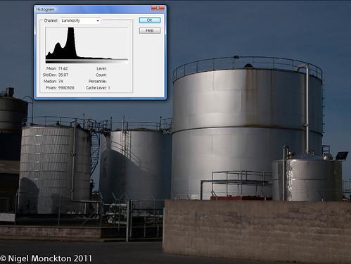 normal contrast under histogram.jpg