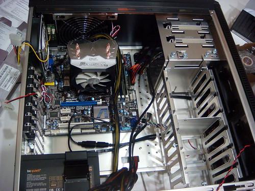 電腦組裝內部