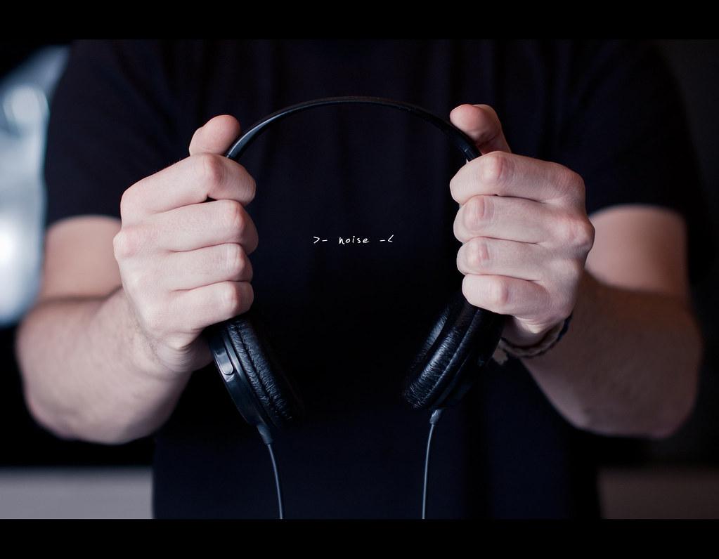Day 19, 199/365, Project 365, Bokeh, Strobist, Sigma 50mm F1.4 EX DG HSM, 50mm, noise, headphones