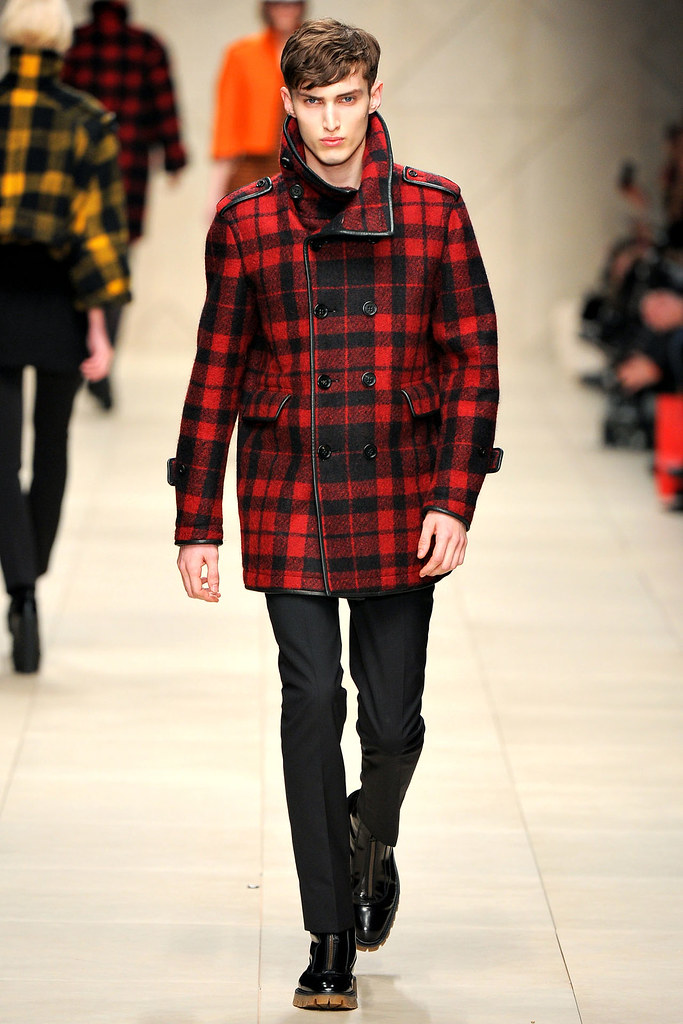 FW11_London_Burberry Prorsum Women's002_Charlie France(VOGUEcom)