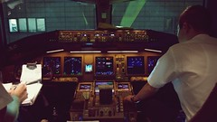 Onboard B777 Cockpit - Cathay Pacific (Matt@PEK) Tags: pentax oneworld cathaypacific