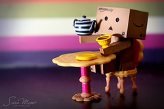 Tea Time (SaRa Meow  .. / @sosoMeow) Tags: cup colors table sara tea drink mug meow danbo