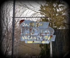 Davidson Motel  5 Star ***** (pip_goat) Tags: ontario canada paris sign rusty motel brantford davidsonmotel