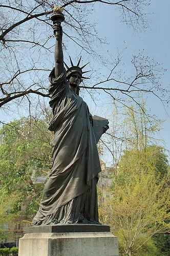estatua jardines luxemburgo