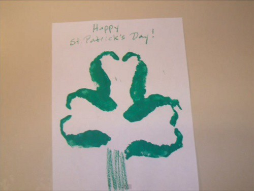 St Patrick's Day: Handprint Shamrock Clover Craft