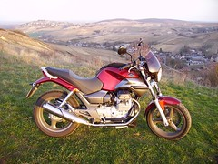 Moto Guzzi Breva 750ie, Chavignol village, France (JPC24M) Tags: panorama bike berry hill motorbike motorcycle vtwin sancerre italie colline marzocchi roadbike brembo roadster balade randonne 750 grimeca motocyclette 750cc crottindechavignol fournales lafranconi 2cylinder cardan rgioncentre bicylindre bicylinder sancerrois centreregion moyennecylindre