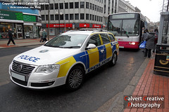 PSNI Volkswagen Passat Estate Armed Response Vehicle (Calvert Photography) Tags: city volkswagen police belfast crime policecar vehicle northernireland incident crimescene response armed bluelights armedpolice lightbar britishpolice arv psni policevehicle specialpolice ledlightbar armedresponsevehicle policeservicenorthernireland volkswagenpassatestate