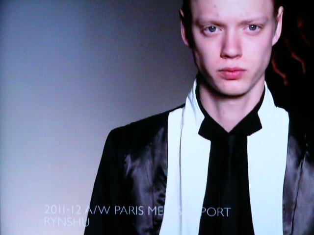 Johan Erik Goransson3224_FW11_Paris_Rynsyu(Fashion Tsushin)