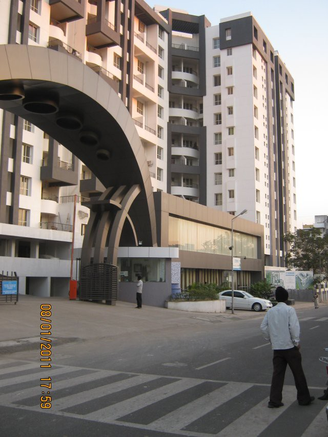 Main entrance gate, sales office & 80 feet wide road from Hotel Kinara to Pethkar Projects' Balwantpuram - Samrajya in Shivtirthnagar, on Paud Road, in Kothrud, Pune 411 038