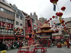 """南京町 """" 興隆春風祭 """" 獅子舞 (直立)"""